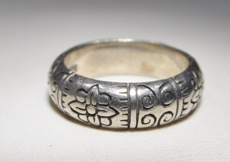 Brighton Signed Sterling Silver Band Ring Size 5 WC-287