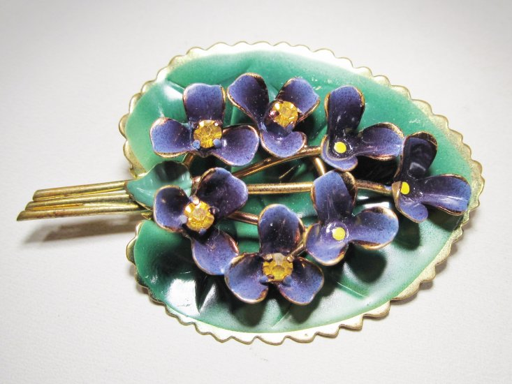 Austria Signed Violet Flower Enameled Brooch Pin WC-472