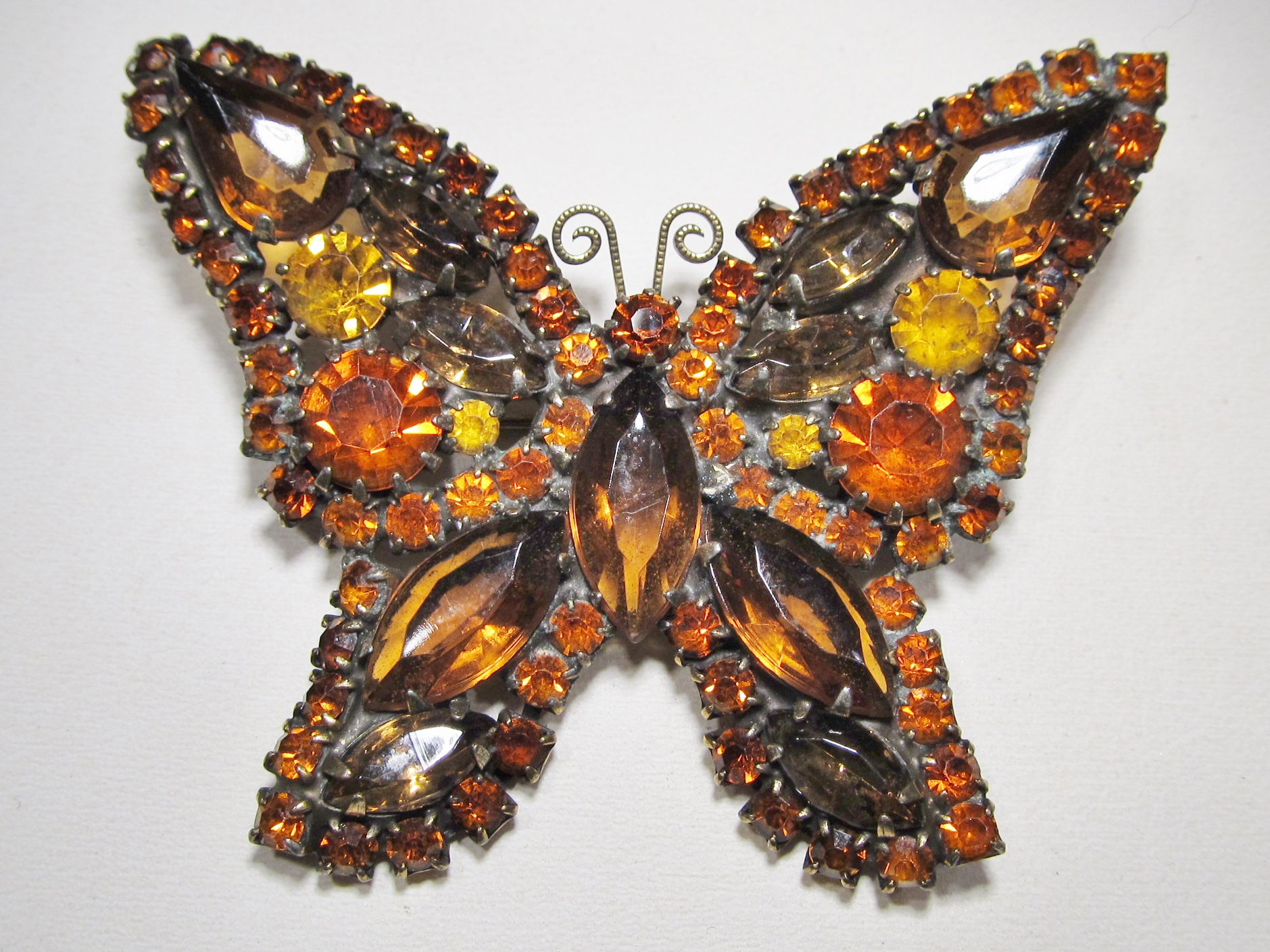 Vintage Weiss Butterfly Brooch Amber Color WC-475
